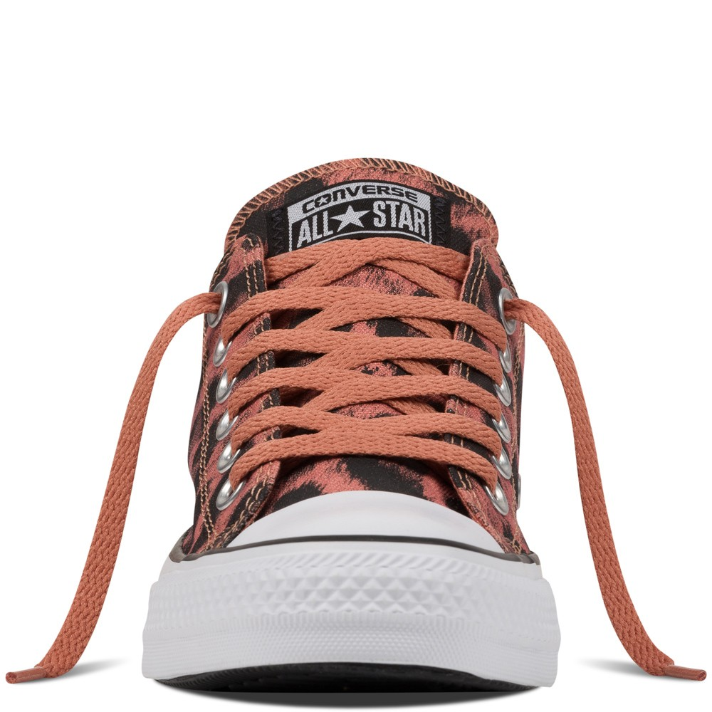 c9e4b3aac82e Zapatillas Converse para mujer chuck taylor all star animal print rosa  blush animal 143. Precio regular  93